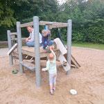 Spielplatz im Park an der Reusratherstraße