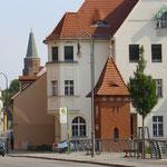 oder die schönen alten Häuser der Stadt anschauen.