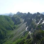 Die Gipfel um die Hochkünzelspitze.Gesehen auf dem Weg zum Toblermannskopf
