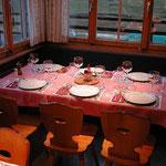 Läubli Tisch 3