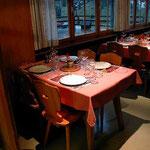Läubli Tisch 1