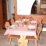 Stübli Tisch 4