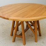 Round LA table, 140