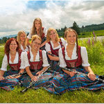 Klarinette: Marina Trunzer, Carolin Jörg, Andrea Jörg, Julia Heiligensetzer, Nicole Mohr und Eva Neuhauser (von oben und v.l.n.r.)