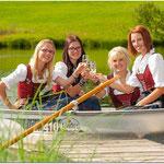Flöte/Piccolo: Sandra Settele, Leonie Mangold, Lisa Neuhauser und Theresa Mohr (v.l.n.r.)