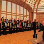Chorbeitrag von Klangfarben vocale Monheim unter der Leitung von Nicole Jers