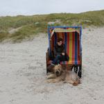 kurzer Aufenthalt im Strandkorb - naja für mich nur davor - ich mag nicht drin sitzen oder liegen