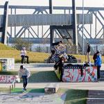 """2019-02-22 - """"RheinPark Duisburg - Skateanlage (7-07802)"""" -  Route der Industriekultur - Copyright by Franz Walter"""