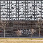 """2018-02-16 - """"RheinPark DU (7-07422)"""" - Wand der 1000 Gesichter im RheinPark Duisburg - Copyright by Franz Walter"""