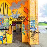 """""""RheinPark Duisburg - Graffitipark und Skateanalge (7-33422)"""" - Copyright by Franz Walter"""
