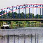 """""""Brücke (7-12943)"""" - Copyright by Franz Walter - Karl-Lehr-Brücke über die Ruhr - Duisburg"""
