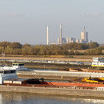 """2018-11-09 -  """"Rheinschiffe am Niederrhein (7-50052)"""" - Mit dem Rad unterwegs im Herbst - Copyright by Franz Walter"""