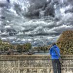 Seul à Paris
