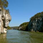 Blick zurück auf den Donaudurchbruch Richtung Kehlheim
