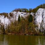 Oberhalb der Felswände verlaufen teilweise die Wanderwege