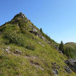 Der nach Norden verlaufende steile Gipfelaufschwung des Portlahorns