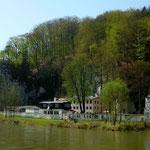 Das Klösterl am linken Donauufer