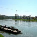 Seilfaehre Weltenburg - Stausacker zum Wanderweg am linken Donauufer nach Kehlheim
