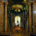 Hochalter der prunkvollen Klosterkirche Weltenburg
