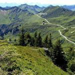 Blich vom Portlakopf auf Furkajochstraße und zu den Bergen des Raetikons