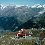 Großartiger Rastplatz mit Sicht auf Schwarzsee und Bergstation