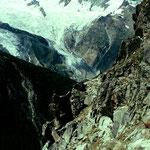 Wegabschnitt im Steilgelaende zwischen Waeng und Weissfluh