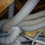 Tuyaux de ventilation double flux mélangés avec condensations dans les points bas