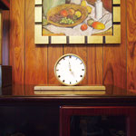 Table clock of a drawing room / 応接間の時計