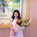故郷の中川文化小劇場にて。中学生200名のソリストをさせていただき、素晴らしいお花をいただきました♪