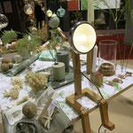 Leuchte aus Holz in einfachem Design