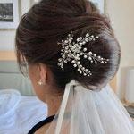 Braut styling #Braut Haarschmuck # Braut Frisur #Mobile Visagistin #Braut Hochsteckfrisur