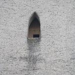 Einflugloch in den Turm der Oettersdorfer Kirche