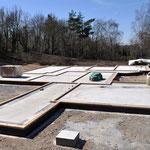 Bodenplatte ist vorbereitet um die Holzrahmenwände zu positionieren