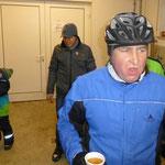 Günther testet seinen Apfellpunsch unter Rennbedingungen