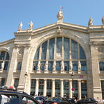 gare du nord周辺は最高にゴチャゴチャしてます。