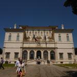ホテルにチェックインして即念願のMuseo e Galleria Borgheseに。