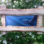Bilderrahmen für Stoffbanner aus unbesäumten Brettern mit Waldkante