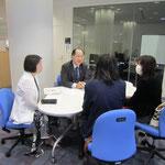 (左)音楽療法コースの古平孝子先生、(右)同 原沢康明先生