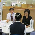 左:松井孝夫先生(音楽教員養成コース・音楽指導コース)、右:高松晃子先生(音楽教員養成コース・音楽指導コース)