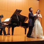 宮部小牧先生(ソプラノ)、青戸知先生(バリトン)、鳥井俊之先生(ピアノ)による《ドン。ジョヴァンニ》から