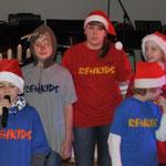 Unterhaltungsprogramm durch die Rehkits, Weihnachtsfeier, Gemeinde und VS, Verein Groß Laasch Flexibel, Foto Andrea Weinke