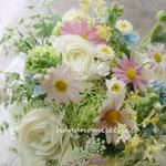 ウェディングブーケ クラッチブーケ 野の花を束ねたようなブーケ