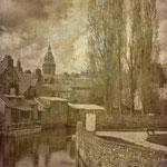 église et lavoir vue ds quais Villedieu les Poêles