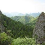 様々に景色を変える鹿嵐山は登っていてとても面白い