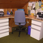 Büroeinrichtung Blatt KH Buche, Schubladenstock KH weiss
