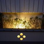 植栽部分塀の間接照明。