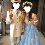 お姉さまの手作り花冠と、お母さまの手作りブーケを持つ花嫁さま