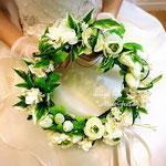 オーダー制作リースブーケを持つ花嫁さま