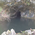 La grotte privée et la source d'eau naturelle depuis le XVI ° siècle