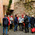 Le groupe dans la cour du gîte des pèlerins de St Jacques à Orthez